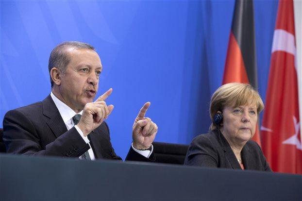 Μέρκελ: Επιφυλακτική για πλήρη ένταξη της Τουρκίας στην ΕΕ