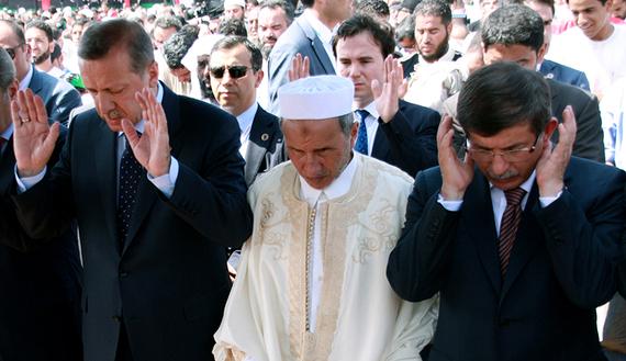 Στέλιος Ράμφος: Το Ισλάμ παραλύει την Τουρκία