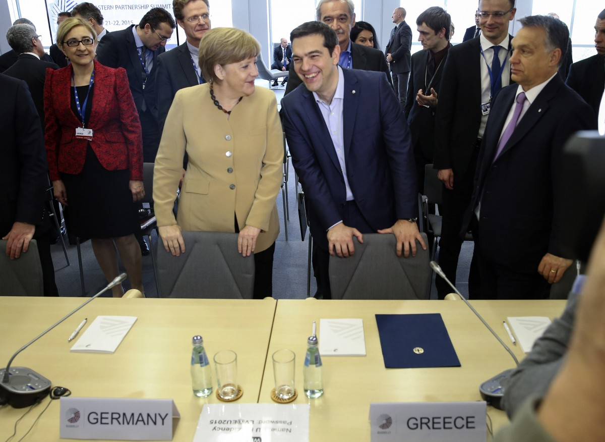 ΟιNew York Times για τηνσυμφωνία και τις επιπτώσεις στο ευρώ εάν δεν υποχωρούσε η Ελλάδα.