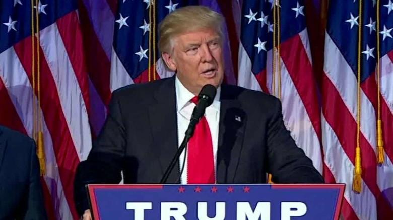 Π. Ήφαιστος, Περί Προέδρου Τραμπ το ανάγνωσμα